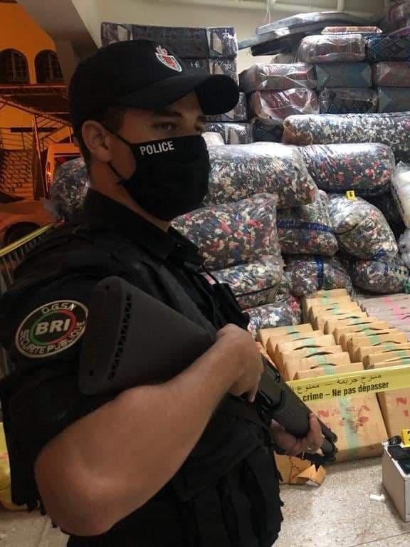 إجهاض محاولة لتهريب كمية كبيرة من مخدر الكوكايين نحو المغرب بميناء طنجة المتوسط