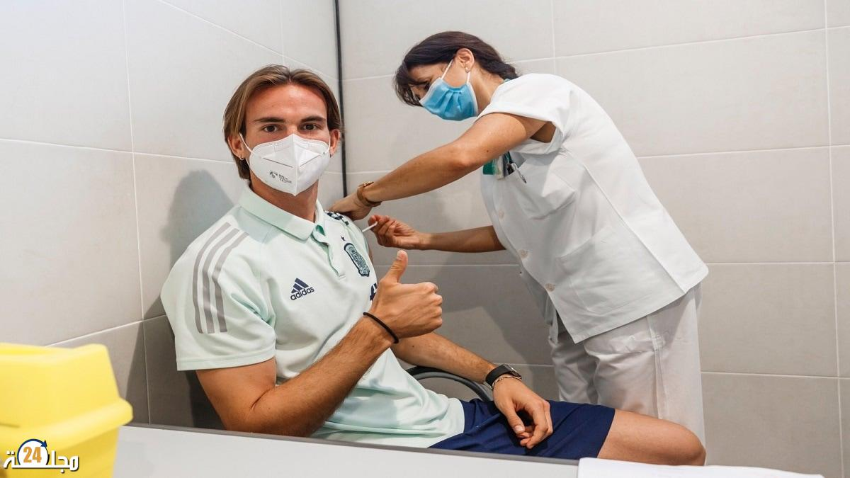 وسط مخاوف من أعراض جانبية.. تطعيم لاعبي منتخب إسبانيا ضد كوفيد19