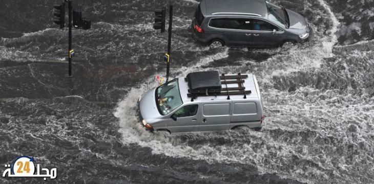 الفيضانات تغمر شوارع لندن مع توالي العواصف