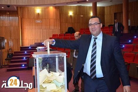 بعد سنين من الجد و العطاء الأستاذ زين العابدين الخليفي يغادر ابتدائية سطات ليلتحق بمحكمة النقض