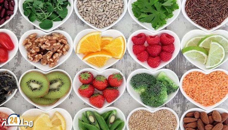 دراسات حديثة تؤكد ارتباط السعادة باتباع نظام غذائي صحي