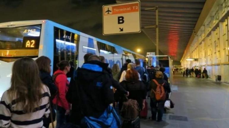 مسافرون مغاربة يتسنكرون سوء معاملتهم بمطار مالقا الدولي